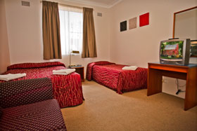 Accommodation at Abbotsleigh Motor Inn - Family Suite