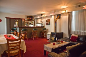 Abbotsleigh Motor Inn is a Armidale motel which offers warm & friendly atmosphere.